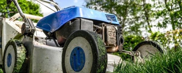 L'achat et la réparation du matériel d'entretien du jardin
